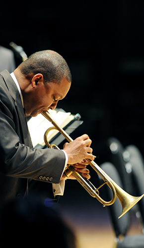 Image of Wynton Marsalis playing the trumpet